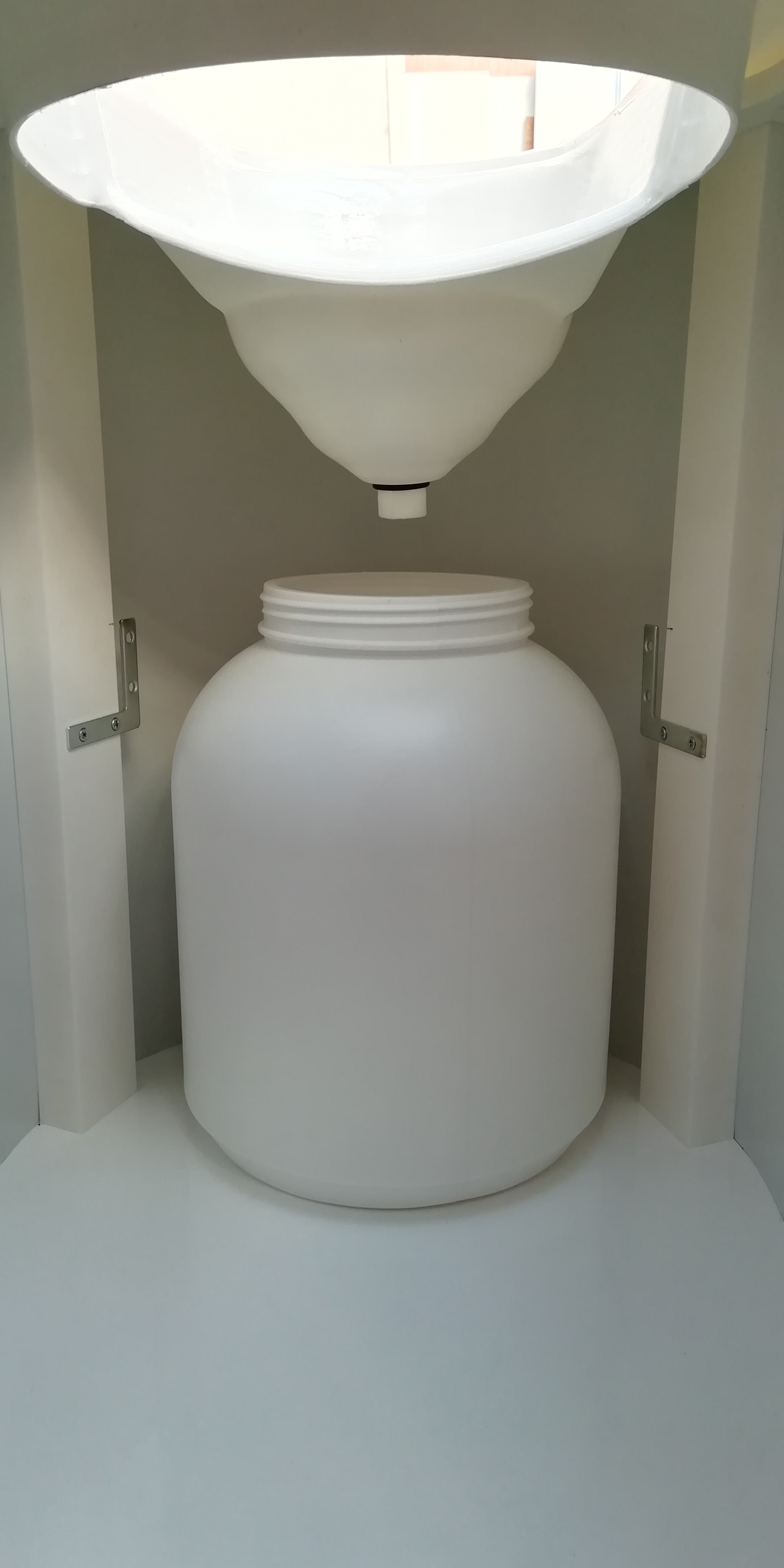 Simploo Waterless Composting Toilets